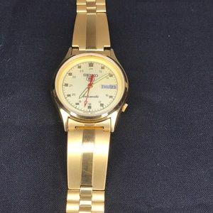 Vintage Seko 5 automatic watch